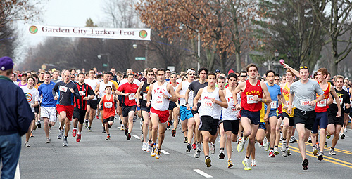 garden city turkey trot attracts thousands of runners garden city life - Garden City Turkey Trot