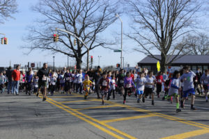 Start of 1-Mile Fun Run (Photo by Stephen Takacs)