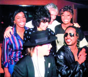 """That's What Friends Are For"" recording session. Rear from left: Gladys Knight, Carole Bayer Sager, Burt Bacharach, Dionne Warwick. Front left: Elton John, Stevie Wonder"