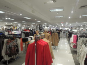 A shot of the first floor of the newly renovated Garden City Lord & Taylor location (Photo by Dave Gil de Rubio)